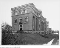 Royal Ontario Museum - west side and front