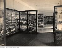 University of Toronto Museum, Reptile cases in Biological Building